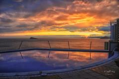 (026/19) Incomparable puesta de sol (Pablo Arias) Tags: pabloarias photoshop ps capturendx españa photomatix nubes cielo arquitectura puestadesol ocaso mar agua mediterráneo villamarina benidorm alicante