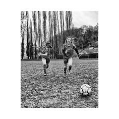 """ Girls'Training..."" (jcois.) Tags: pentax portrait streetportrait street regard blackwhite bw noirblanc monochrome urbain urban people personnes jcois streetphotographer rouen portraitderue soccer football pelouse"