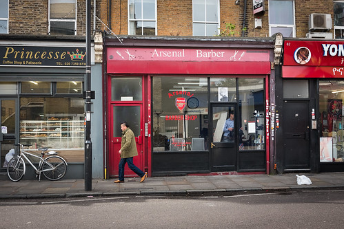 "Arsenal Barber, Notting Hill Gate, London • <a style=""font-size:0.8em;"" href=""http://www.flickr.com/photos/22350928@N02/33553454888/"" target=""_blank"">View on Flickr</a>"