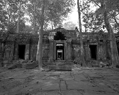 1109 (The Dent.) Tags: cambodia siem reap mamiya 7ii acros hc110 5 mins dilution b