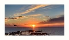 Feliz Marte!! (ZAP.M) Tags: atardecer playa playalacaleta cadiz andalucía españa puestadesol zapm mpazdelcerro flikt nikon nikond5300 mar nubes nwn