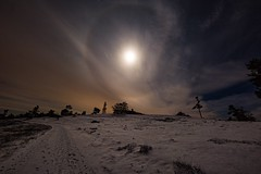 Halo (clemensgilles) Tags: winter sternenhimmel beautiful moon longexposure nachthimmel nachtfotografie deutschland eifel germany