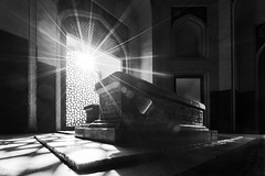 Humayun Tomb (Ashmalikphotography) Tags: sunburst humayuntomb humayun worldheritage heritage shadows ashmalikphotography ashishshoots ashishmalikphotography architecture mughalarchitecture mughalera