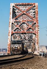 Rusty yet Significant (Wheelnrail) Tags: ns norfolk southern ge locomotive railway train trains cincinnati erlanger ludlow ky kentucky cnotp south bridge truss steel freight