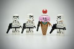 LEGO Stormtrooper Ice Cream Cone (Pasq67) Tags: lego minifigs minifig minifigure minifigures afol toy toys flickr legography pasq67 starwars stormtrooper france 2019 disney brickpirate ice cream cone icecream star wars