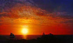 Sunset on the sea (Jacques Rollet (Little Available)) Tags: sunset sea mer couchant sky ciel sun soleil cloud nuage groupenuagesetciel fabuleuse