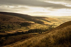 The light in the valley (Through_Urizen) Tags: category derbyshire england landscape mamtor places sunrise canon70d sigma1020mm canon outdoor travelphotography landscapephotography fields grass trees valley clouds sky light morning morningsun hills tree nature natural countryside rural greatbritain uk unitedkingdom