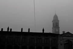capodanno (g.zoe) Tags: piazza isola dovarese nebbia pianura padana inverno freddo fog mist capodanno anno nuovo bianco e nero monocromo