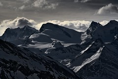 surplus.mercury (Matt_étranger) Tags: monte rosa gnifetti dufour allalinhorn strahlhorn egginer rimpfischhorn mischabel mountain dark mood landscape paesaggio montano montagna wild nature snow covered snowy top peak winter atmosphere wallis valais vallese svizzera schweiz