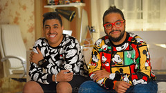 Brothers ❤️💪 (dr.7sn Photography) Tags: disney disneyland disneyshirt micky mickey mickeymouse colors colours portrait face smile jeans office white brother brothers power