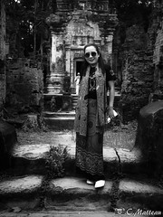 180728 Miss my valentine (clamato39) Tags: love amour woman femme portrait angkor cambodge cambodia asia asie voyage trip temple blackandwhite bw monochrome noiretblanc
