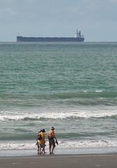 Beach walking (johnstewartnz) Tags: canon canonapsh apsh eos 100canon 1dmarkiii 1d3 1dmark3 1d 1dmkiii 1dmk3 1diii 400mm 400 canonef400mmf56 ship keypacifico