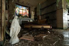 Casket Statue (bryan.mk7) Tags: abandoned mausoleum cemetery decay urbanexploration