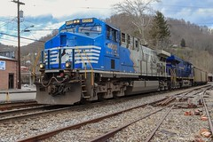 NS U47 in Appalachia, VA making their moves in Andover Yard to sit off a Caboose. (Railroad Gal) Tags: norfolksouthern nsu47 ns4000 ns8103 ac44c6m dctoac sonicbonnet norfolkandwestern heritageunit fallenflag fallenflagrailroad railroad railfan railfanning femalerailfan generalelectric ge gevo locomotives diesellocomotives coaltrain friendsofcoal appalachiava appalachianmountains norfolksouthernclinchvalleysub mountains landscape wisecountyva virginia clouds winter train bluetrain