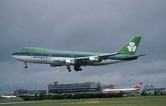 Aer Lingus 747-100 'EI-ASI' (Longreach - Jonathan McDonnell) Tags: aerlingus slide scanfromaslide 1980s boeing 747 747100 dublinairport eidw 1989 307007 aircanada eiasi