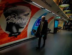 2019-01-15 - Mardi - 15/365 - Ma gueule - (Garou) (Robert - Photo du jour) Tags: 2019 janvier france metro homme affiche gueule magueule garou pogba quai ligne1 paris adidas franklinroosvelt