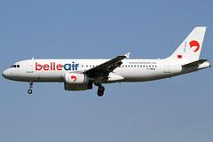 F-ORAE 10082012 (Tristar1011) Tags: ebbr bru brusselsairport belleair airbus a320200 a320 forae