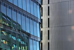 Opposites attract (Logris) Tags: düsseldorf dusseldorf dus mediaharbor medienhafen harbor architecture architektur buildings gebäude fenster windows spiegelung reflections