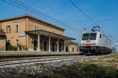 E189 823 DB CARGO ITALIA - GRANAROLO (Giovanni Grasso 71) Tags: e189 823 db cargo italia granarolo nikon d610 giovanni grasso siemens es64f4
