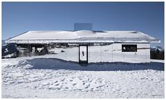 Mirage Gstaad  - Doug Aitken (Aeschbacher Hilde) Tags: 150219 pentaxart spiegelhausmiragegstaad dougaitken winter berneroberland gstaad schweiz kunstobjekt