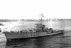 f-570--urania--1961-01-01-2_14076507741_o (t.libra) Tags: warships corvette taranto marinamilitare corvetteclasseape f570urania 1961