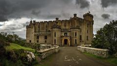 dunvegan castle 4a 3p (Bilderschreiber) Tags: dunvegan castle burg schloss scotland schottland panorama