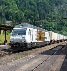BLS Re 465 016 Amsteg-Silenen 07 July 2015 (2) (BaggieWeave) Tags: switzerland swiss swisstrains swissrailways gotthardrailway gotthard gotthardbahn amsteg silenen bls re465 advertisinglivery
