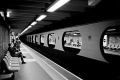 L2990549 (RG-Photographie) Tags: 35mm acros100 analog argentique film fujifilm leica leicam2 lyon summilux summilux35mmasph metro tcl subway underground streetphotography