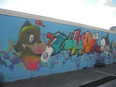 867 (en-ri) Tags: squalo shark pesce arancione azzurro verde bevanda torino wall muro graffiti writing sumor fish mare sea