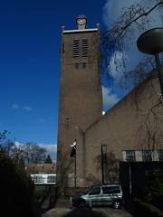 Drie-Eenheid (Vredeskerk) (1933) Rotterdam (Vreewijk) (Kvnivek) Tags: netherlands zuidholland rotterdam kerk church serbianorthodox tower blue sky clouds tree