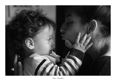 Amour (didlam69) Tags: calin bw blackanswhite noiretblanc tendresse enfant femme amour