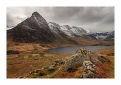 Tryfan (Rich Walker Photography) Tags: tryfan wales mountain mountains lake lakes snowdonia snowdon landscape landscapes landscapephotography canon efs1585mmisusm eos eos80d snow rocks clouds cloud