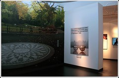 Imagine (zweiblumen) Tags: doublefantasy imagine johnlennon yokoono museumofliverpool liverpool merseyside england uk art canoneos50d polariser zweiblumen