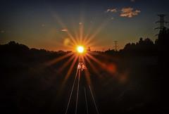 TREN DEL AMANECER (Pedro Angel Ruiz) Tags: tren train ciudad city amanecer paisajes landscapes sol sun turismo madrid pozuelodealarcón aravaca