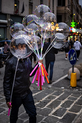 Perfect Instant (Cristian Degl'Innocenti) Tags: boy ballons seller streetphotography street real true best top amazing master pic color colour stunning genoa genova urban italy italia tribute 35mm canon alleys mybest moments mood moving reportage greatphotographers bestphotographer bokeh