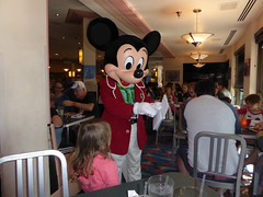 Florida Day 4 - 096 Disneys Hollywood Studios Minnies Holiday Dine at Hollywood and Vine Mickey Mouse (TravelShorts) Tags: wdw walt disney world disneys hollywood studios florida orlando fantasmic frozen vine star wars tower terror