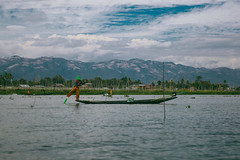 Inle Lake, Myanmar, January 2019 (Etienne Gab) Tags: inle inlay lake lac myanmar burma birmanie asia asie fihermen fisherman fish fishing landscape tourism travel sky mountains water reflection net boat boats canoe canoes canonef2470mmf28lusm canon 5d mark iii markiii row rowing bateau shan state people culture hat blue hills trekking trek