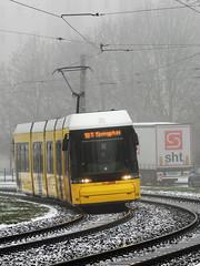 Flexity als Linie 18 in der Riesaer Straße (M. Schirmer Berlin) Tags: deutschland germany berlin hellersdorf marzahn 18 flexity bvg nebel fog winter snow schnee