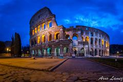 Colisée, Rome (arnolamez) Tags: rome colisée roma coliseo monument italy italie city heurebleue bluehour canonr