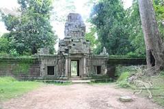 Angkor_Phimeanakas_2014_14