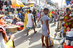 African market (Francisco Anzola) Tags: ngc ghana accra africa city market buildings people shops stalls signs streetlife streetphotography street