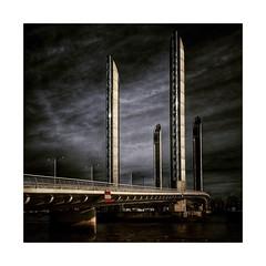 Pont  Jacques Chaban Delmas (Jean-Louis DUMAS) Tags: pont bridge rivière river water lake sunset sunrise sun coucher de soleil creativeartphotography eau ciel horizon bordeaux