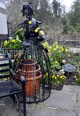 Lady in the Garden (magaroonie) Tags: pitlochry sculpture theflickrlounge weeklytheme photographerschoice