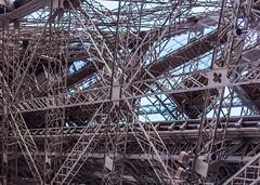 Treppen und so (wpt1967) Tags: canon6d chaos eos6d eiffelturm februar2019 france frankreich gerüst gewirr konstruktion latoureiffel ordnung paris treppen treppenundso stairs wpt1967
