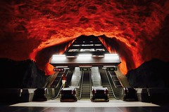 Down to Hell (Alex L'aventurier,) Tags: suède sweden stockholm metro station underground red rouge métro subway stairs escaliers urban urbain city person candid architecture art