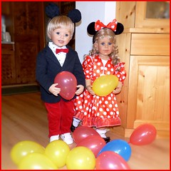 Party ! Party ! Party ! (ursula.valtiner) Tags: puppe doll luis bärbel künstlerpuppe masterpiecedoll fasching carnival faschingsparty faschingsfest carnivalparty faschingskostüme carnivalcostumes luftballon balloon mickeymouse minniemouse mickymaus minniemaus