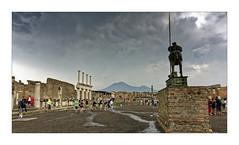 Ciel orageux sur Pompei... (Jean-Louis DUMAS) Tags: pluie orage sky ciel storm nuage cloudly cloud eglise italie italia arbre tree tour parc ruines landscape travel trip voyage pompéî volcan volcano vésuve vesuvius sony