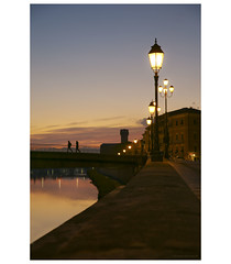 _PXK0355bwtm (Concert Photography and more) Tags: 2018 italy winter december pisa sunset dusk colors twilight river riverside arno reflections lights lungarno pentax pentaxk1 liveactionhero hdpentaxdfa2470mmf28edsdmwr pentax2470