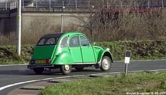 Citroën 2CV 1987 (XBXG) Tags: 30ddst citroën 2cv 1987 citroën2cv 2pk eend geit deuche deudeuche 2cv6 green vert nederland holland netherlands paysbas vintage old classic french car auto automobile voiture ancienne française france frankrijk vehicle outdoor