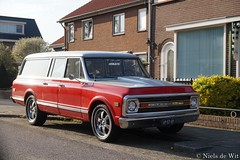 1969 Chevrolet Suburban (NielsdeWit) Tags: nielsdewit car vehicle ar0300 chevrolet suburban 1969 c10 red veenendaal